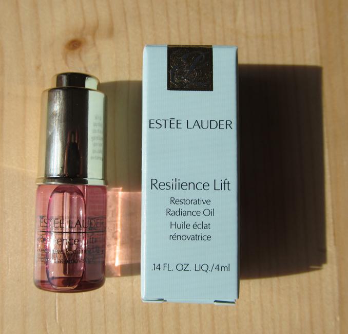2015 06 13 Estee Lauder mini Resilience Lift